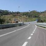 Via ai lavori di rifacimento dell'asfalto sulla A20 Messina - Palermo.