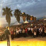Folla sul lungomare per il comizio di Bruno Mancuso
