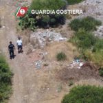 Amianto e rifiuti su area demaniale. Maxi sequestro della Guardia Costiera.