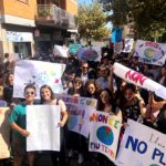 """Global Strike For Future"", studenti in piazza. Messe a dimora 15 piantine. (Fotogallery)"