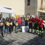 """Campagna di protezione civile """"Io non rischio 2019"""". I volontari del Nois in piazza."""