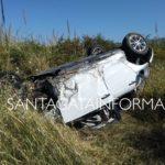 Auto finisce fuori strada e si ribalta sulla litoranea S.Agata - Acquedolci. Un ferito.
