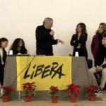 """""""L'antimafia non è una bandiera da sventolare a convenienza"""". Il messaggio di Don Ciotti agli studenti."""