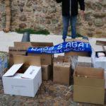 """La solidarietà del gruppo """"Kaos '96"""". Donati generi alimentari e beni di prima necessità."""