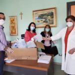 """Dai consiglieri di """"Alcara nel cuore"""" donate visiere protettive per gli operatori ospedalieri."""