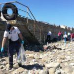 """""""PuliAmo la spiaggia"""", il grande cuore e l'impegno dei volontari."""